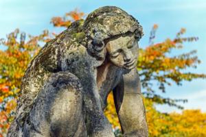 Se sentir sozinho na relação pode gerar crise