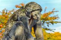estátua sozinha