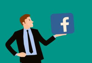 Homem com facebook